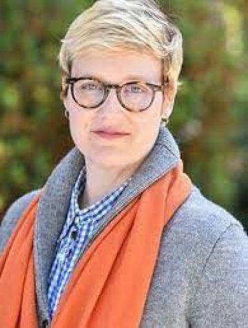 Photo de l'auteur : <h3>L'auteure</h3> <p>Sarah T. ROBERTS est chercheuse et enseignante en sciences de l'information à l'université de Californie à Los Angeles (UCLA).</p>